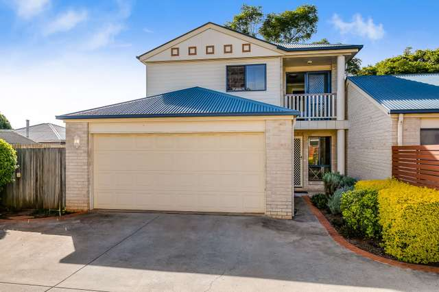 2/11 Hursley Road, Newtown QLD 4350