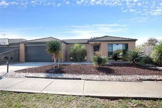 85 Calais Circuit, Cranbourne West VIC 3977