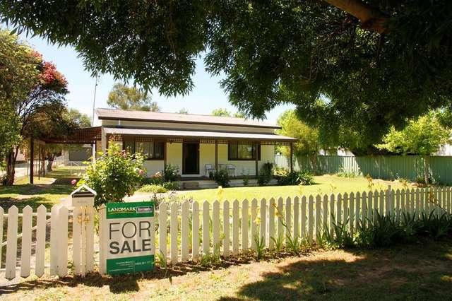 84 Court Street, Boorowa NSW 2586