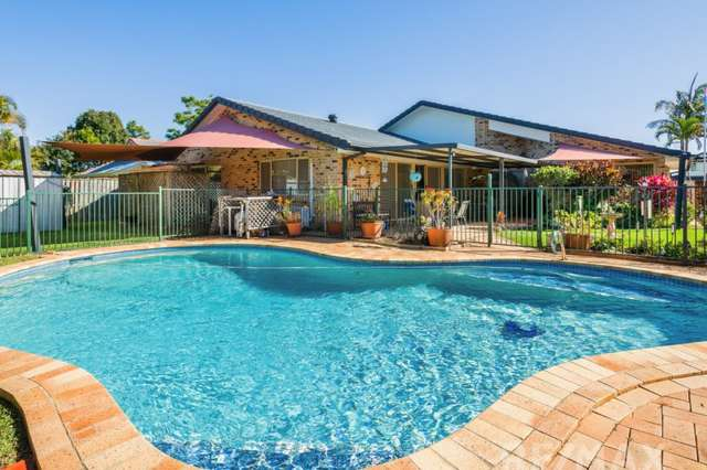 17 Port Jackson Blvd, Clear Island Waters QLD 4226