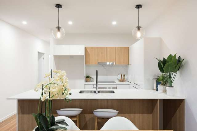 2/62 York Street, Indooroopilly QLD 4068