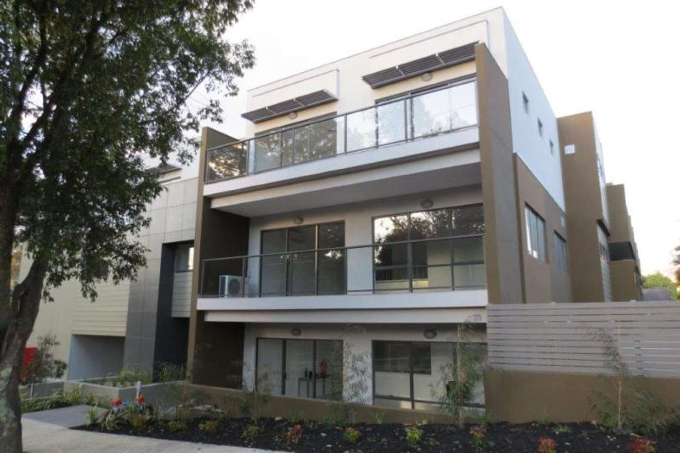 Main view of Homely apartment listing, 10/2-4 Acacia Court, Ringwood VIC 3134