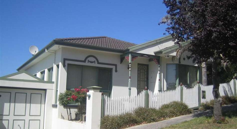 12A Baird Street North, Doncaster VIC 3108