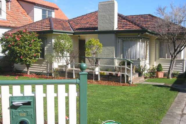 102 Orchard Grove, Blackburn VIC 3130