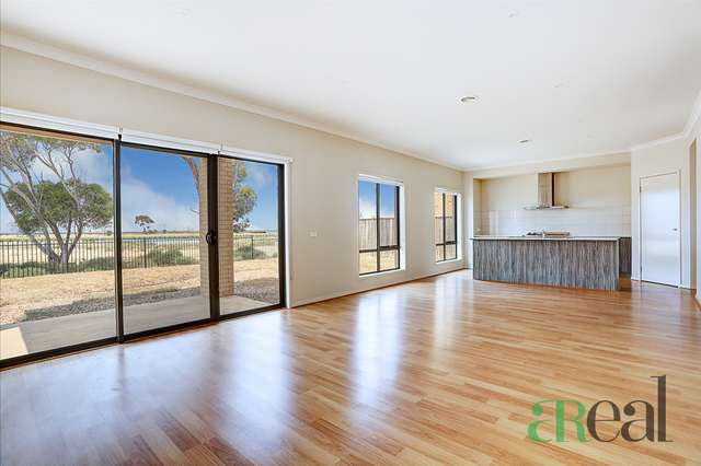 38 Seafarer Way, Point Cook VIC 3030
