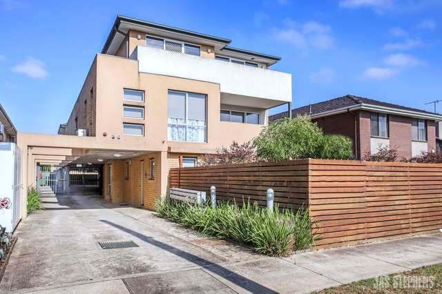 12/20 Bishop Street, Kingsville VIC 3012