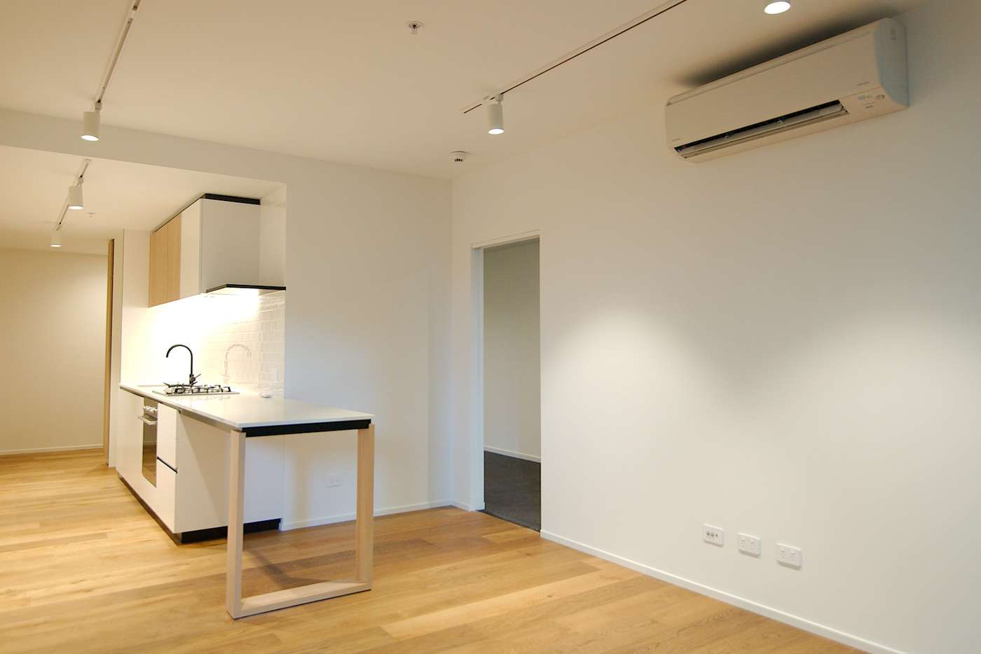 Main view of Homely apartment listing, 10/121 Rosslyn Street, West Melbourne VIC 3003
