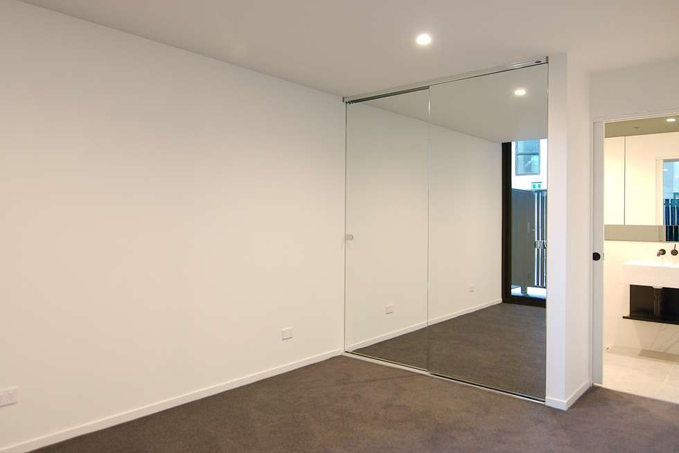 Third view of Homely apartment listing, 10/121 Rosslyn Street, West Melbourne VIC 3003