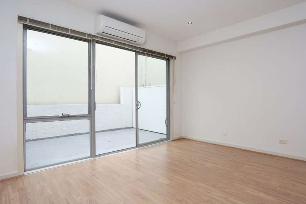 Fourth view of Homely apartment listing, 4/32-36 Smith Street, Collingwood VIC 3066