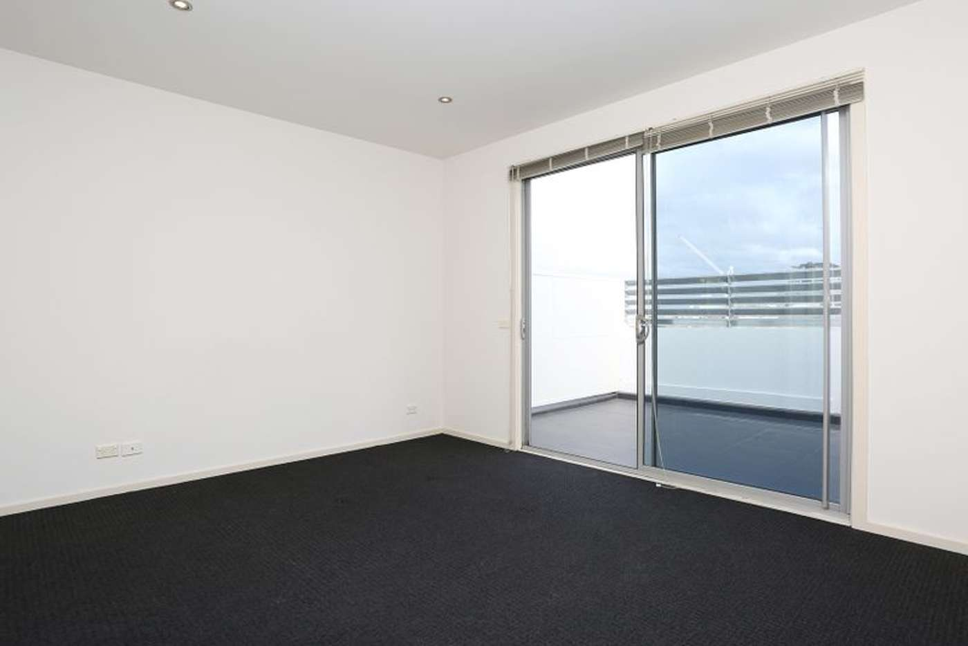 Sixth view of Homely apartment listing, 4/32-36 Smith Street, Collingwood VIC 3066