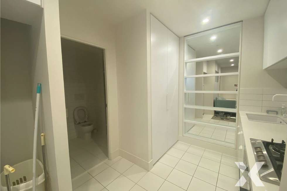 Fourth view of Homely apartment listing, 1712/500 Elizabeth Street, Melbourne VIC 3000
