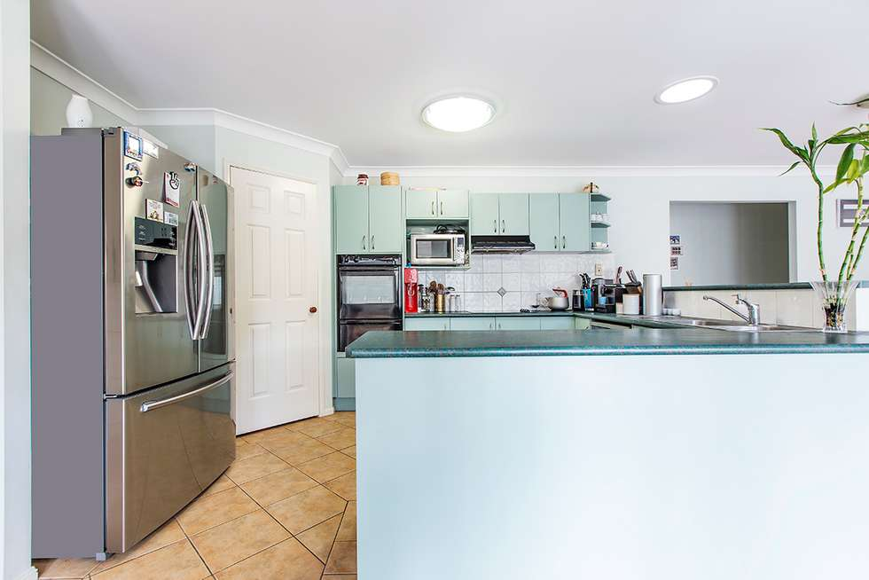 Fourth view of Homely house listing, 1 Alpena Close, Carindale QLD 4152