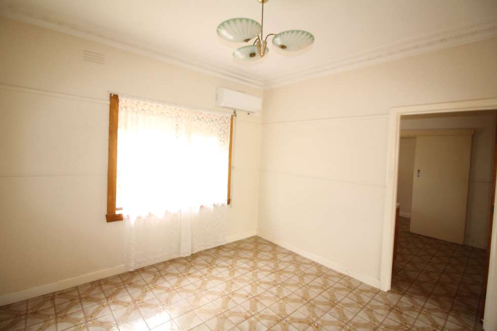 Fifth view of Homely house listing, 1/19 Synnott Street, Hamlyn Heights VIC 3215