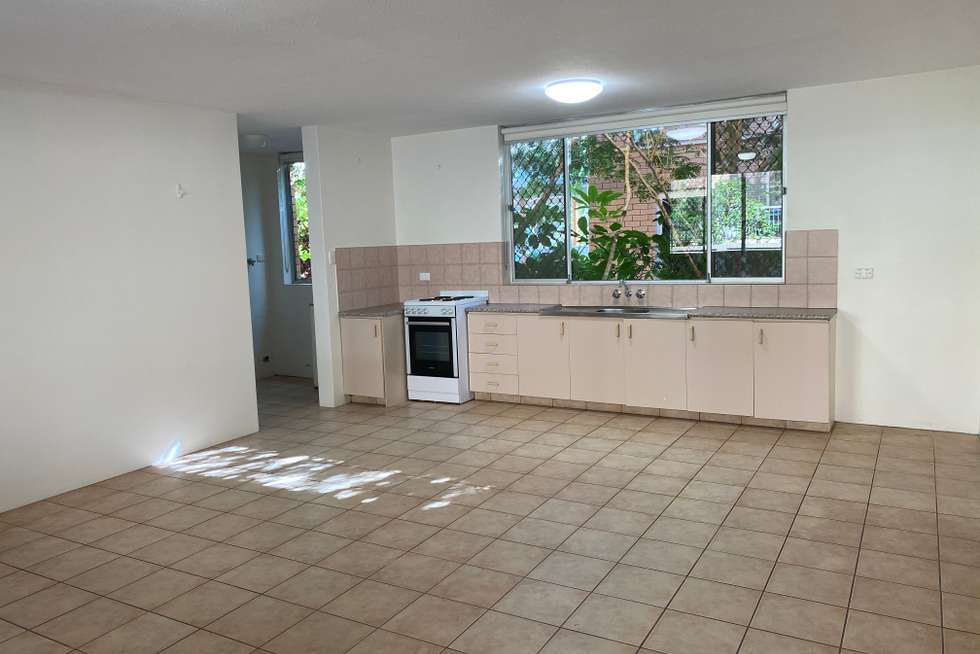 Fourth view of Homely unit listing, 2/8 Kalyan Street, Chevron Island QLD 4217