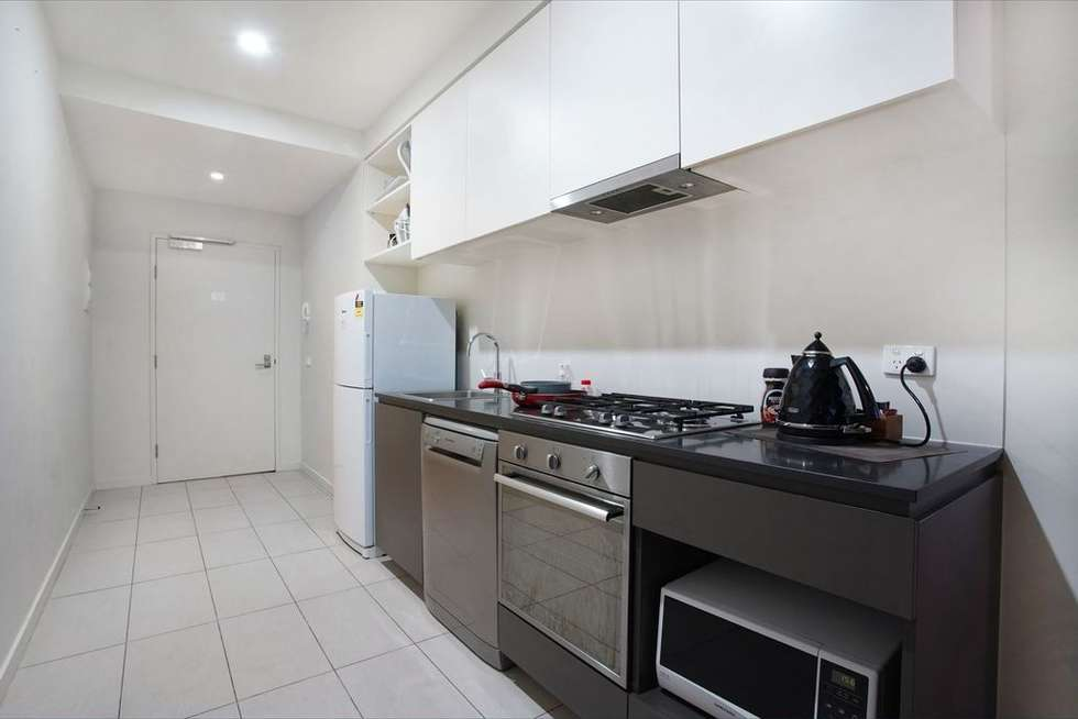 Fourth view of Homely apartment listing, 2402/568 Collins Street, Melbourne VIC 3000