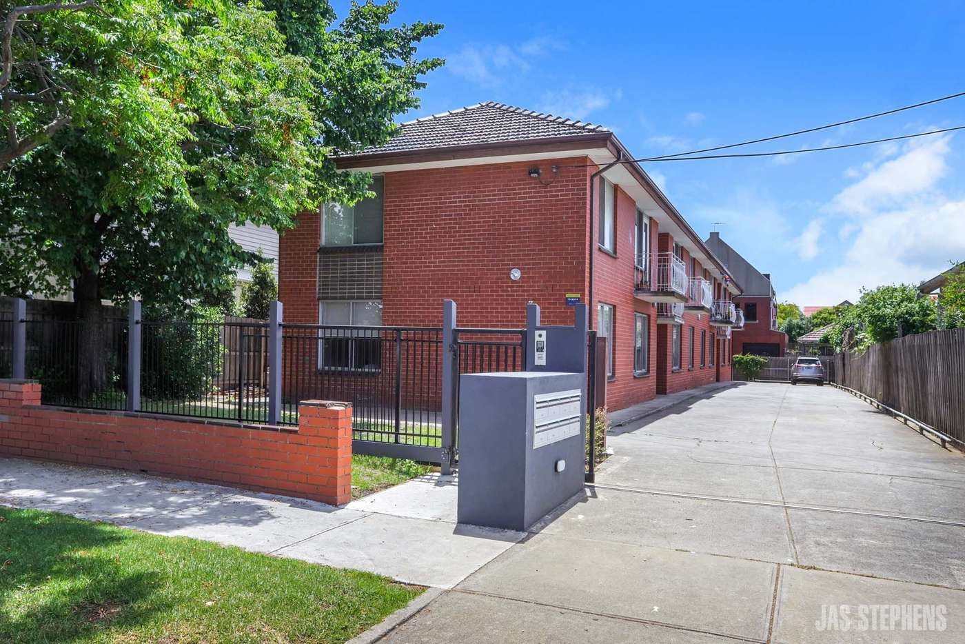 Main view of Homely unit listing, 8/32 Hobbs Street, Seddon VIC 3011