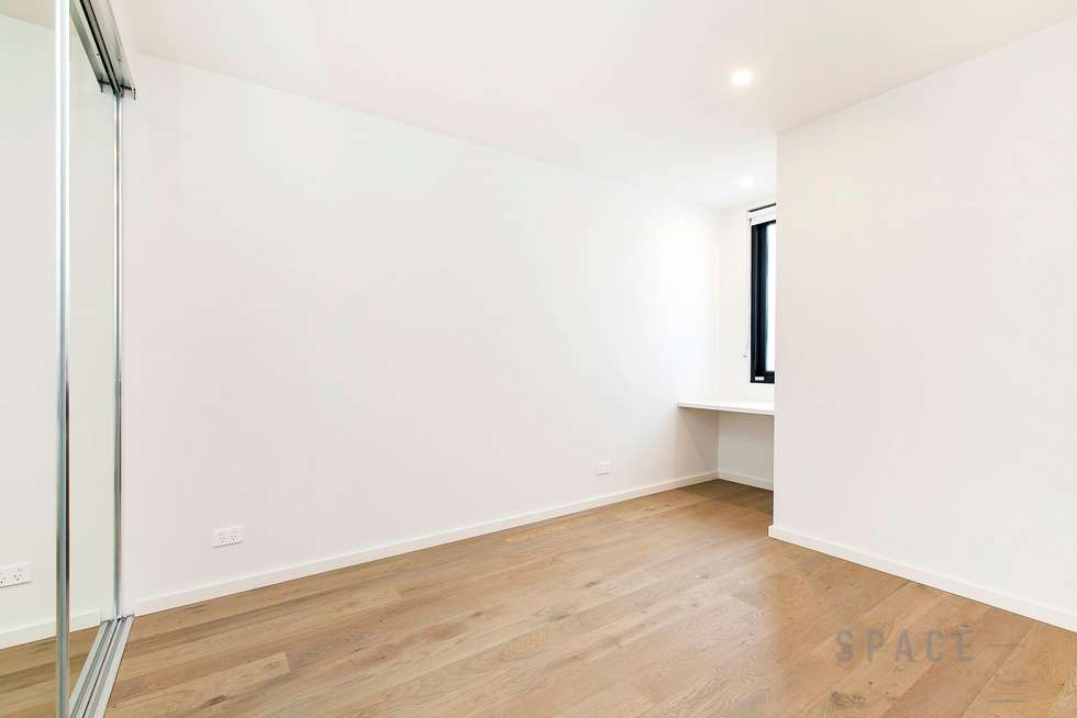 Third view of Homely apartment listing, 106/16 Grey Street, St Kilda VIC 3182