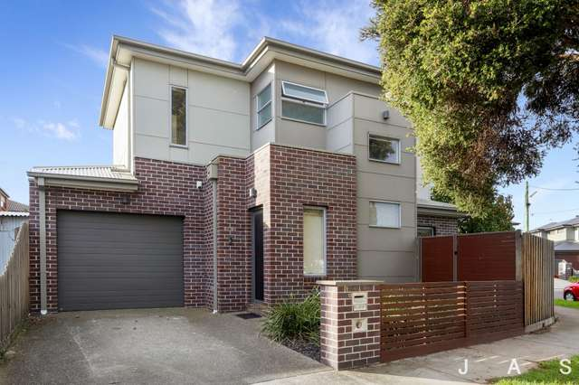 1/13 Holland Court, Maidstone VIC 3012