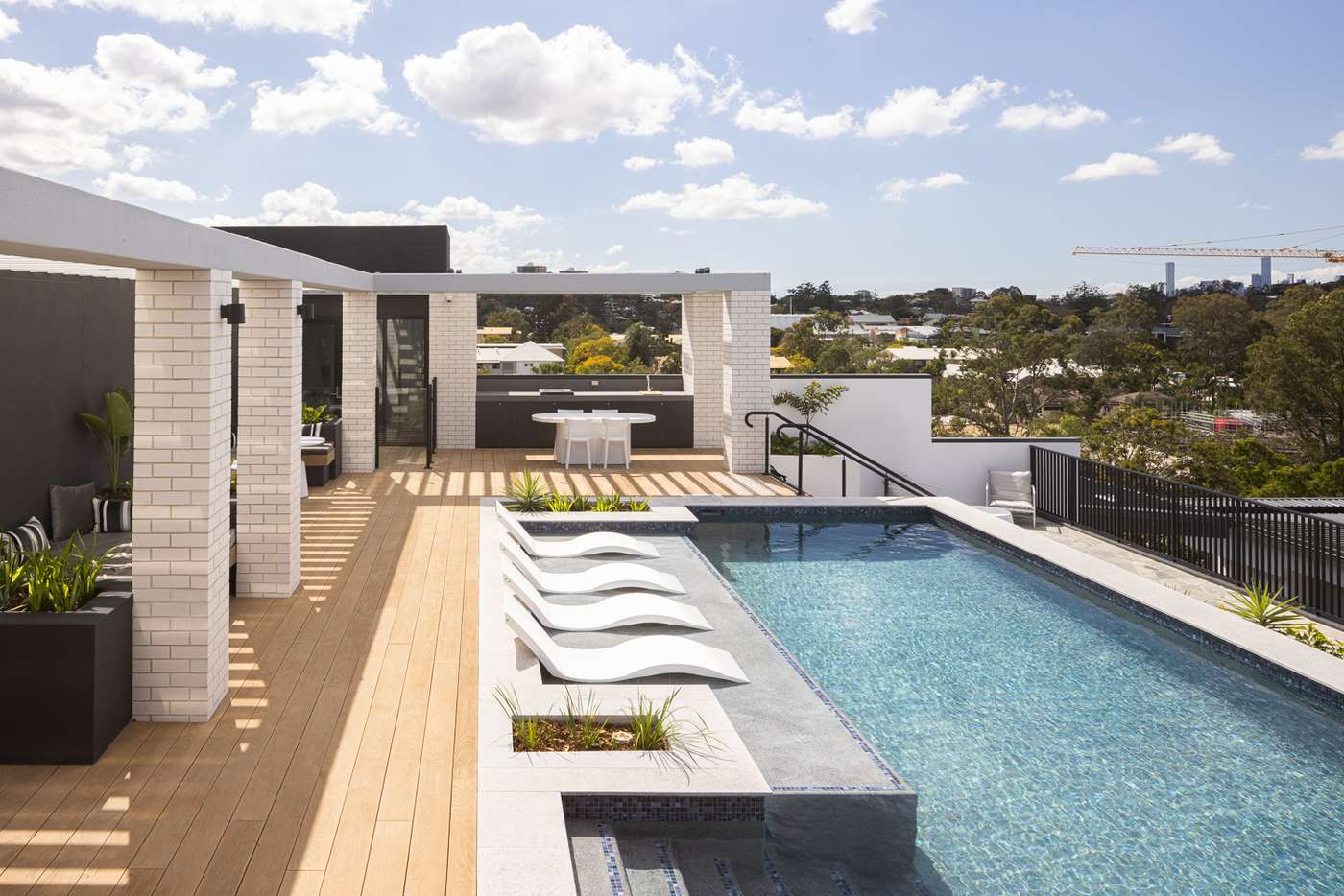 Main view of Homely unit listing, 10-11/186 Clarence Road, Indooroopilly QLD 4068