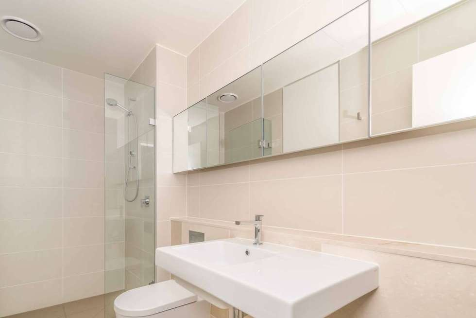 Third view of Homely apartment listing, 617/199 William Street, Melbourne VIC 3000
