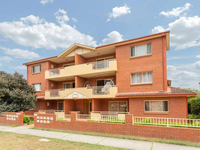 Main view of Homely apartment listing, 2/74-80 Willis Street, Kingsford, NSW 2032