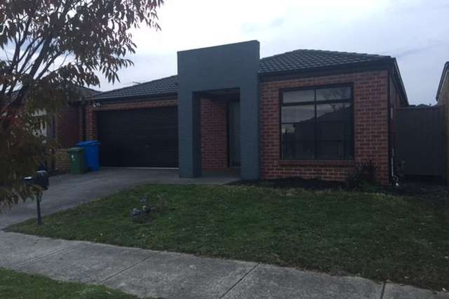 17 Greenaway Terrace, Cranbourne East VIC 3977