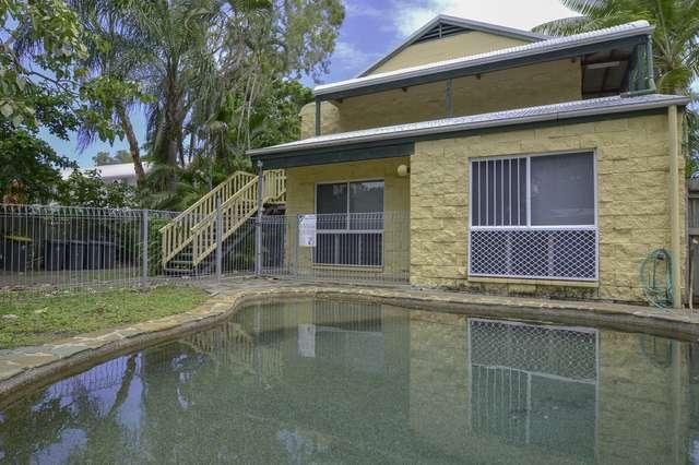7 Triton Lodge/4 Triton Crescent, Port Douglas QLD 4877