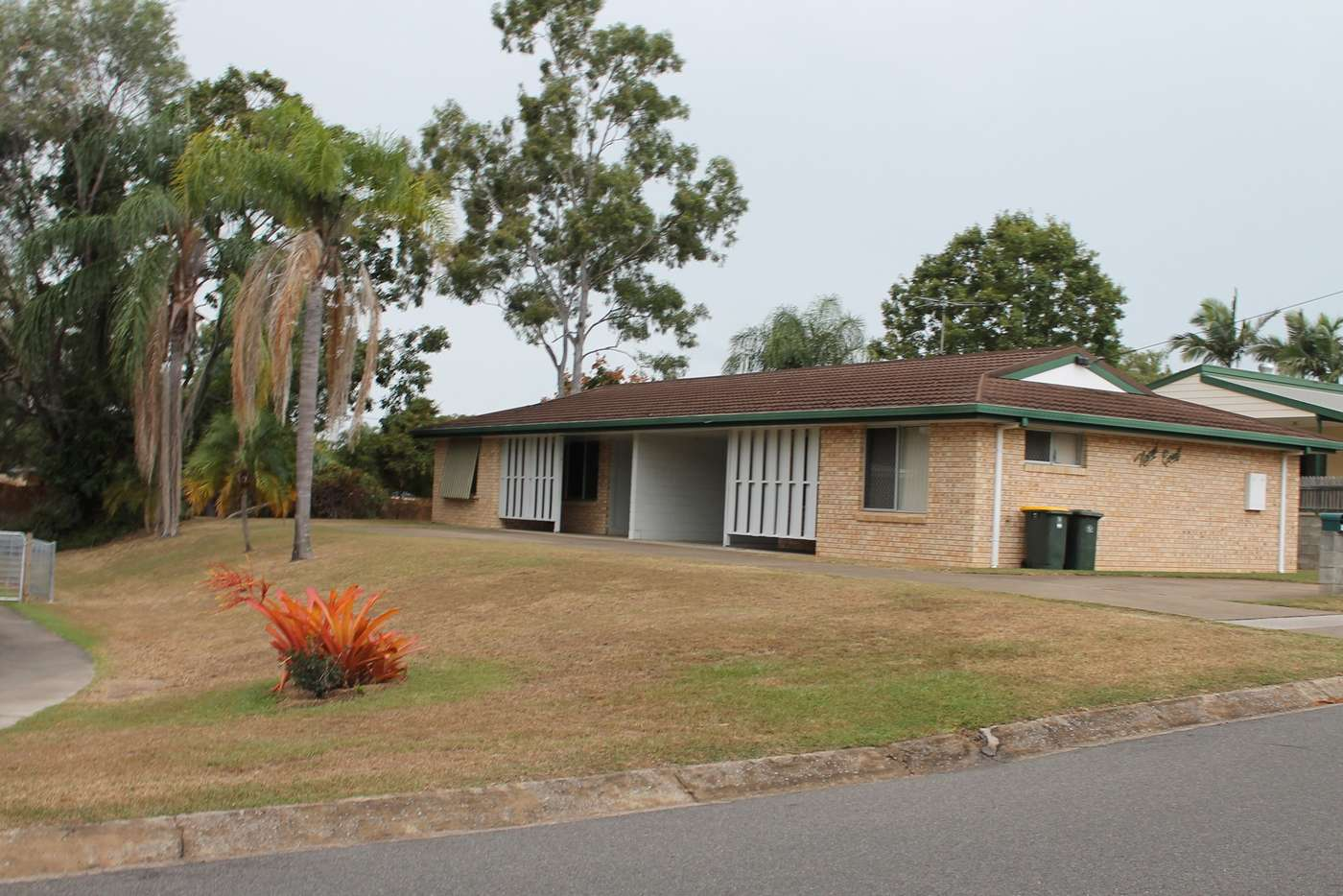 Main view of Homely semiDetached listing, 8 Hayes Avenue, Boyne Island QLD 4680