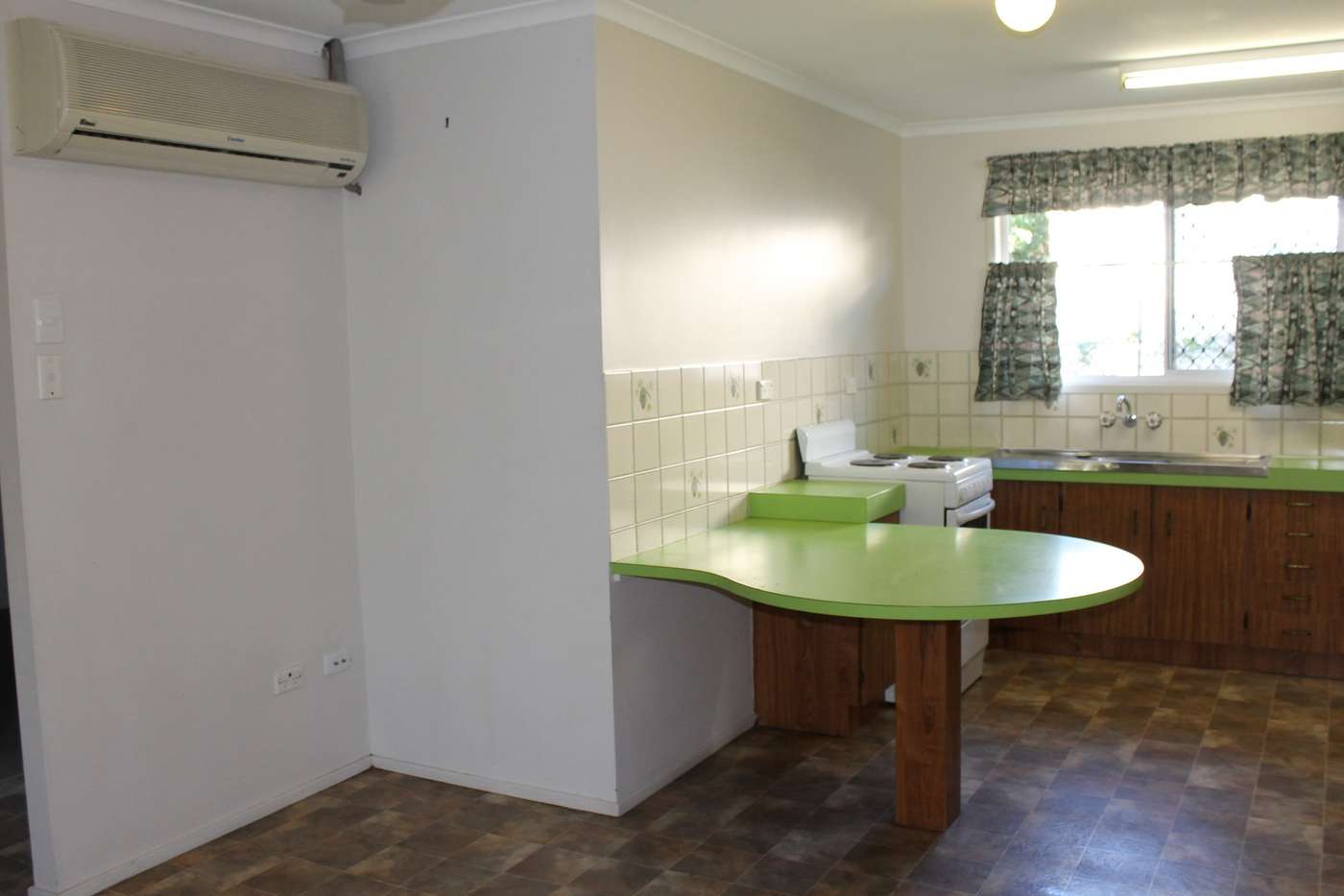 Sixth view of Homely semiDetached listing, 8 Hayes Avenue, Boyne Island QLD 4680