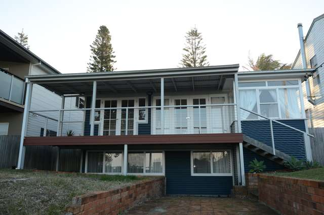 19 Pacific Parade, Old Bar NSW 2430