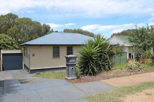 32 Gilmore Avenue, Mount Austin NSW 2650
