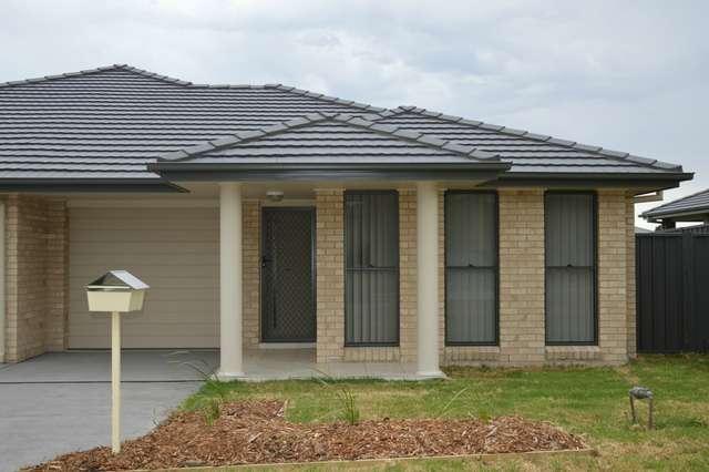 2/27 Broomfield Crescent, Singleton NSW 2330