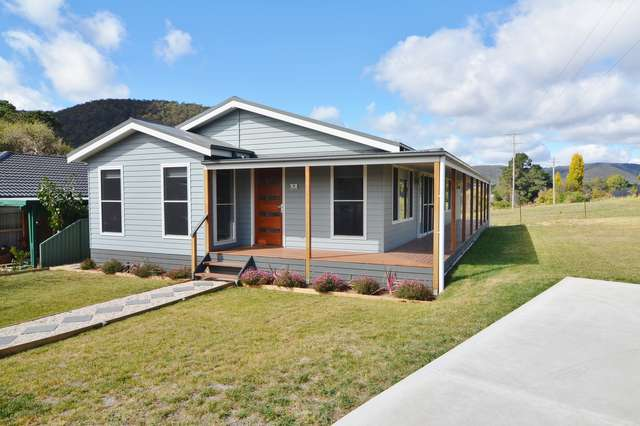 18 Chivers Close, Lithgow NSW 2790
