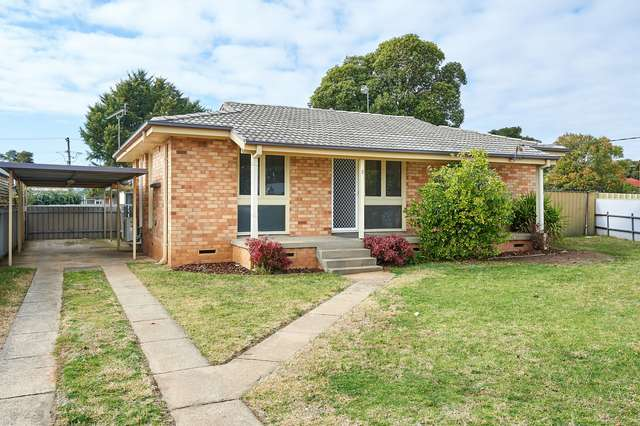 2 Smithies Place, Ashmont NSW 2650