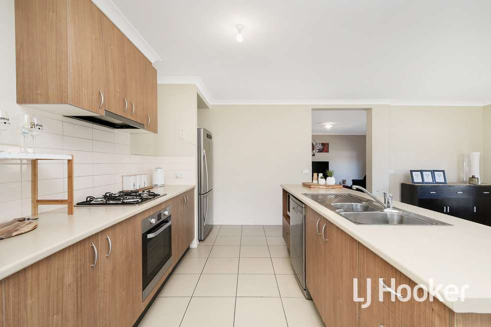 Third view of Homely house listing, 5 Osprey Court, Pakenham VIC 3810