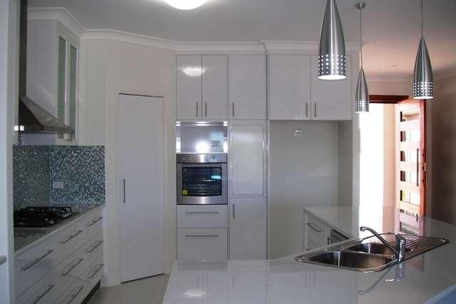 17 Leslie Street, Clinton QLD 4680