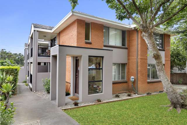 2/11 England Street, West Wollongong NSW 2500