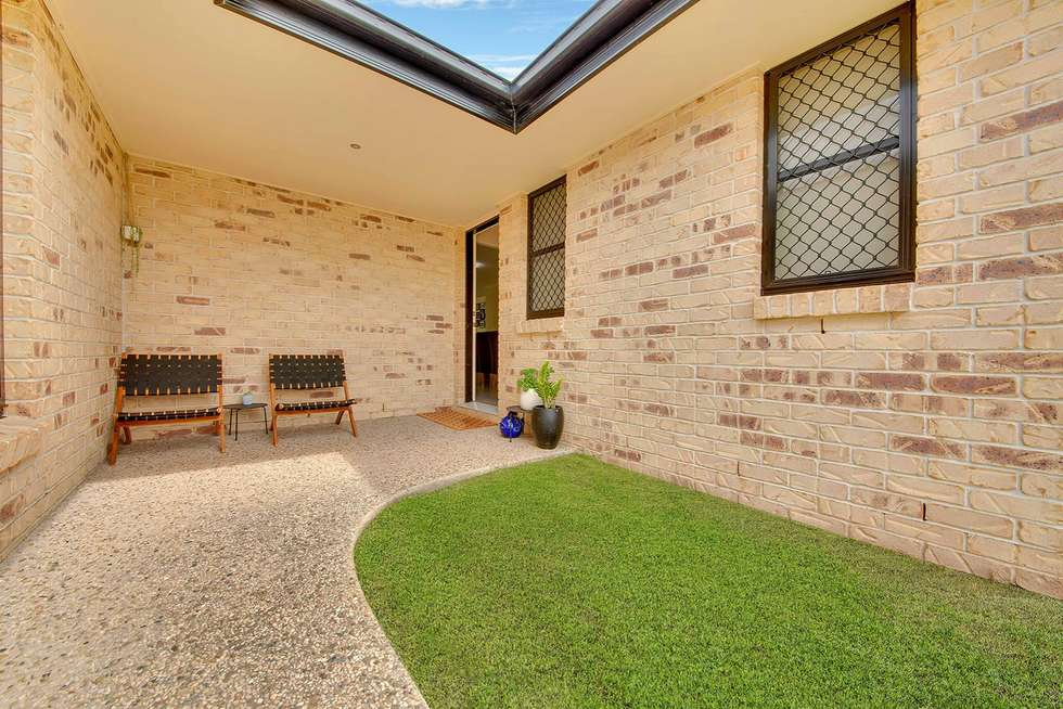Fifth view of Homely house listing, 4 Jooloo Court, Kin Kora QLD 4680