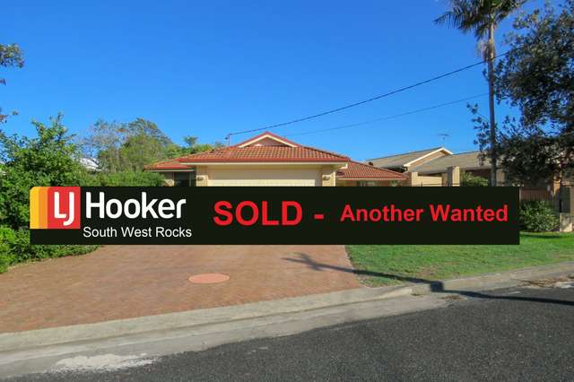 28 Currawong Cr, South West Rocks NSW 2431