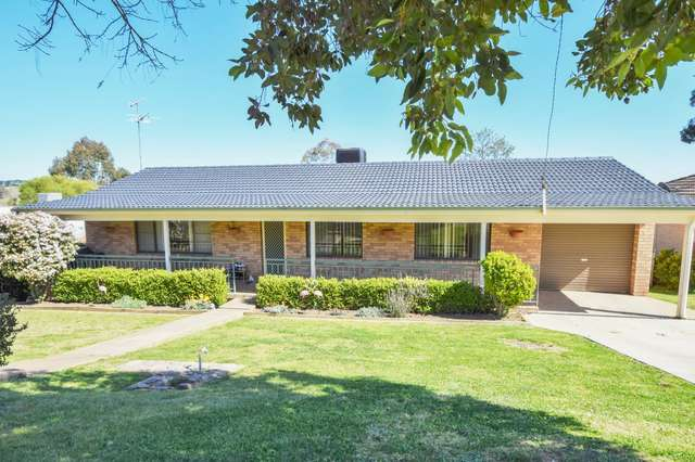 11 Milong Street, Young NSW 2594