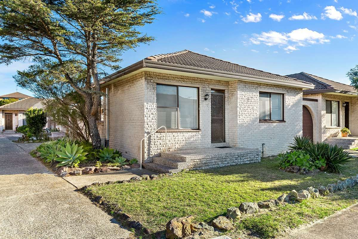Main view of Homely villa listing, 6/19 Moate Avenue, Brighton-le-sands, NSW 2216
