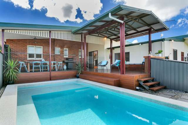13 Hillview Crescent, Whitfield QLD 4870