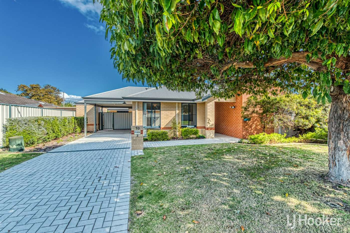 Main view of Homely villa listing, 2/10 Longhurst Way, Queens Park WA 6107