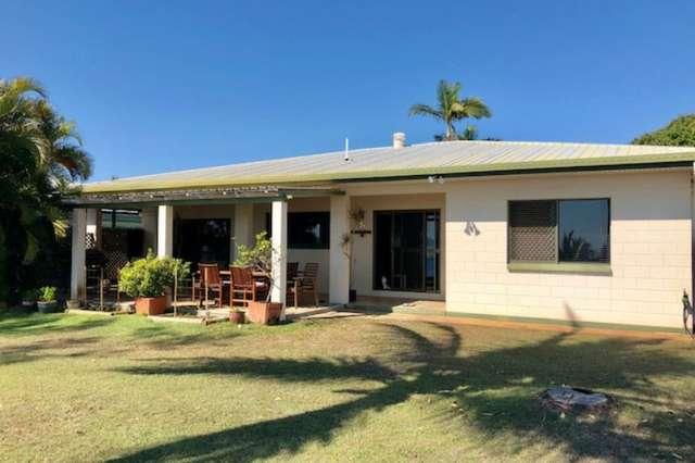52 Whyte Avenue, Brisk Bay QLD 4805