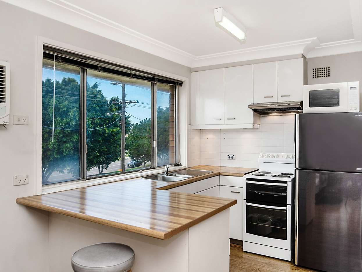 Main view of Homely unit listing, 4/5 Howe Street, Lambton, NSW 2299