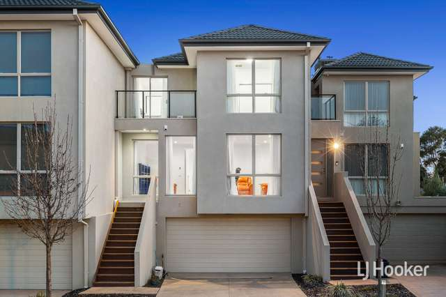 2/1-9 Eagleview Place, Sanctuary Lakes VIC 3030