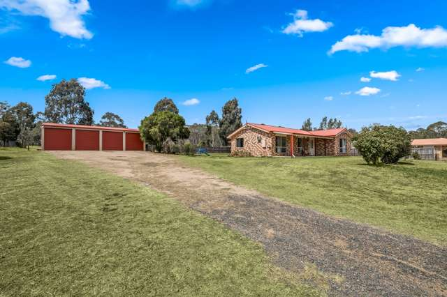 8 Devoncourt Road, Crows Nest QLD 4355