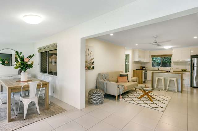 1/28-30 Old Smithfield Road, Freshwater QLD 4870