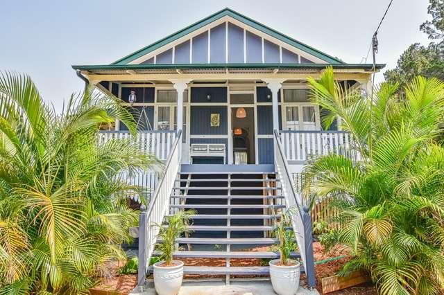 12 Thompson Esplanade, Russell Island QLD 4184