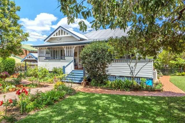 95 Park Road, Yeronga QLD 4104